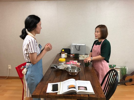 foodieon Korea Traditional Red Pepper hot paste cooking class in Seoul! Yummy😊