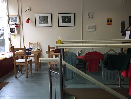 The Cheese Press: small tables only