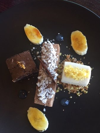 Plattekloof, South Africa: Nutella mousse , brownie .....