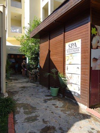 Queen's Park Le Jardin Resort: spa (massage, hammam....