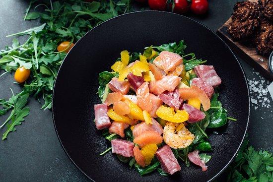 Noir: Mediterranean salad mix with mango, avocado, grapefruit, orange, citrus sauce and tuna