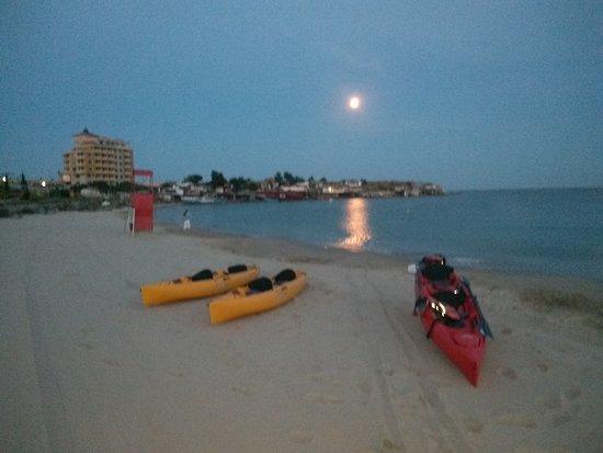 Sea Kayaking Ravda-Nesebar : On the beach after the sunset. ( :