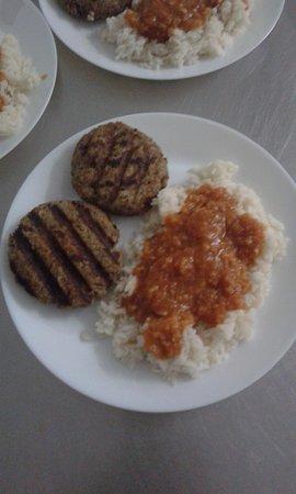 Pylaros Hotel: Burger Portion