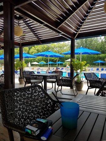 Plenty of shaded poolside bar