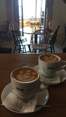 Εξερετικο  χαρμάνι καφέ με καταγωγή από της ψηλές κοριφες των βουνον της Ονδούρας υψομέτρου 1000 έως 2000 μέτρον