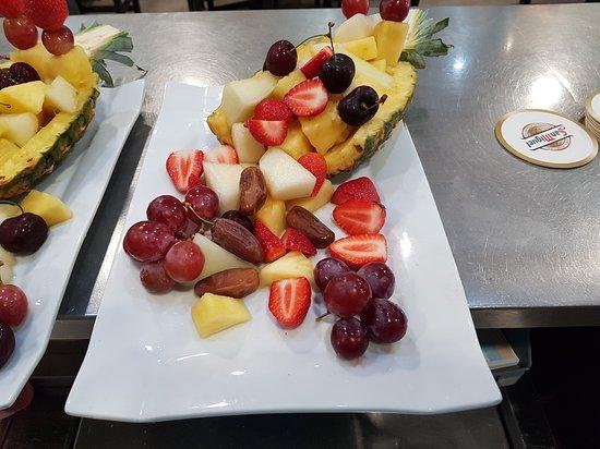 Llombai, إسبانيا: Bandeja Frutas.