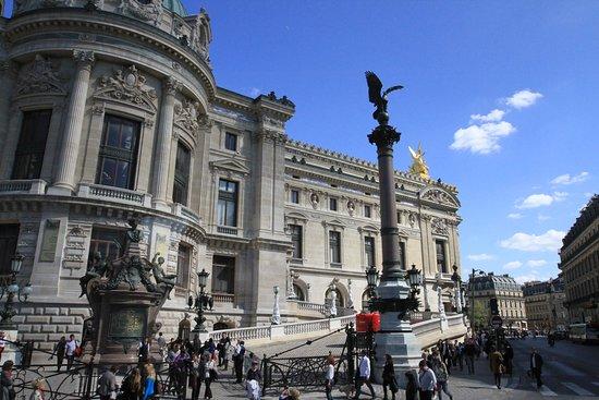 Les lampadaires de l'Opéra  - Les Colonnes Impériales: Les Colonnes Impériales.