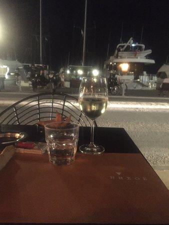 Nisos Cafe Bar照片