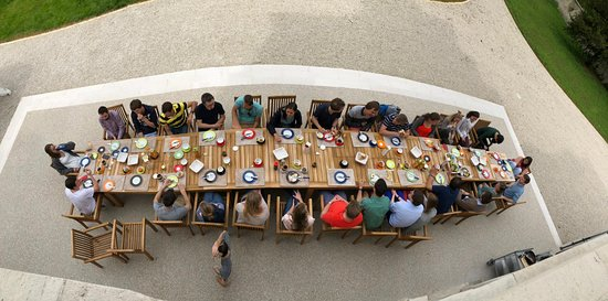 Damblain, France : Breakfast on the terrace