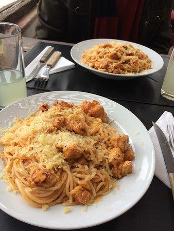 Rustic Bar - Espaguete com Frango