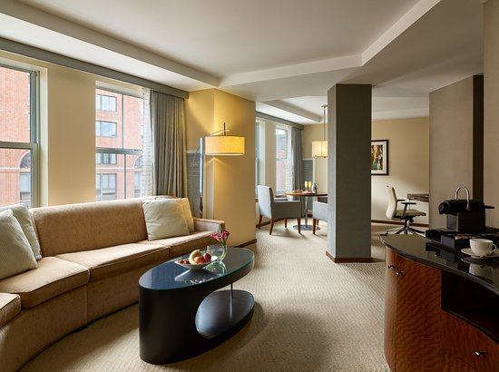 Battery Wharf Hotel, Boston Waterfront: One Bedroom Suite