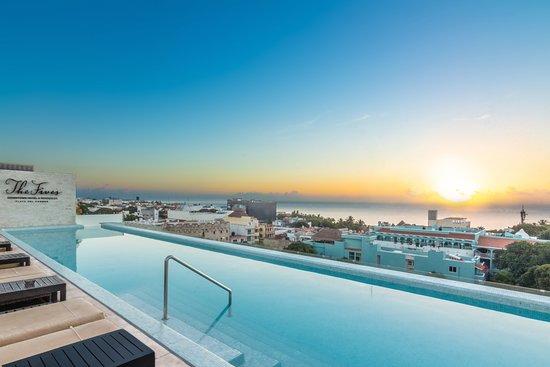 Fives Rooftop Playa del Carmen, México