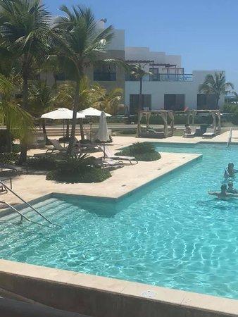 Huge pool with a swim up bar