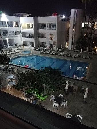 Нормальный отель