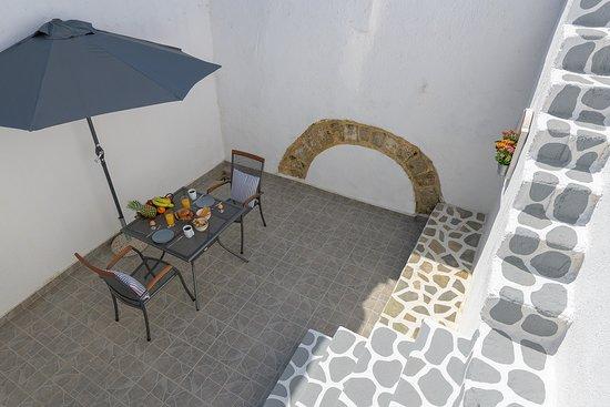 Rodos, Grécko: Private back yard.