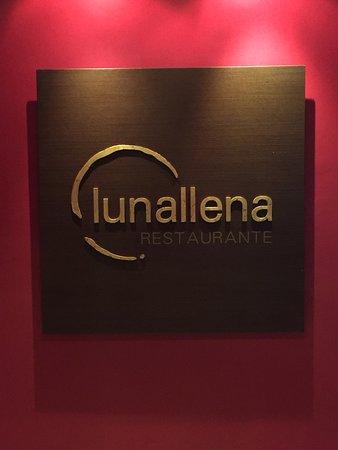 Restaurante Luna Llena: Entrada del restaurante