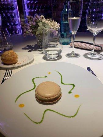 Restaurant Bruixes de Burriac: Original presentación del plato del foie