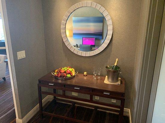 Sonesta White Plains: Club Lounge - Happy Hour/Evening Reception