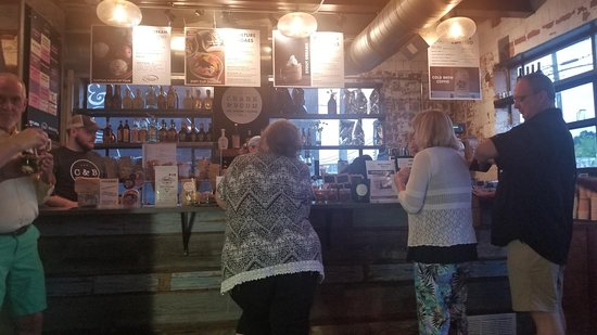 Crank & Boom Ice Cream Lounge: Busy line