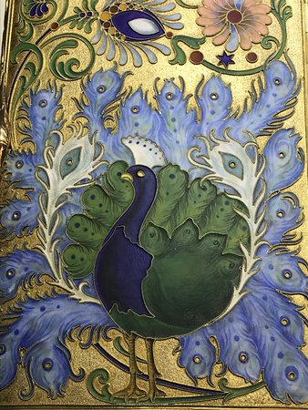 Faberge Museum: Peacock on a cigarette case