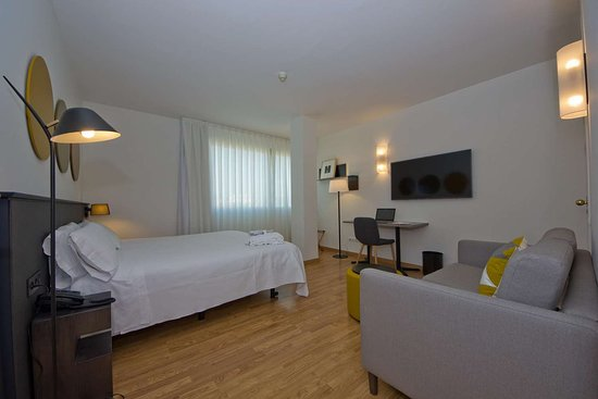 Aparthotel Atenea Valles: EXECUTIVE