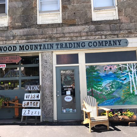Deadwood Mountain Trading Company