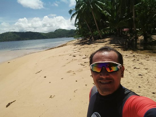 Cagdianao, Filippinene: This is in Tagbiyaran Public Beach Resort!