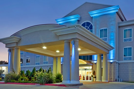 Holiday Inn Express - Hotel & Suites: Exterior