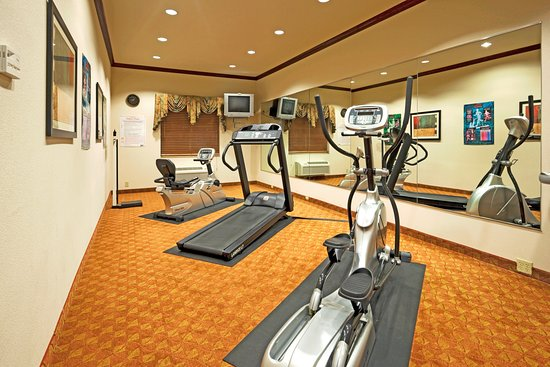 Holiday Inn Express - Hotel & Suites: Health club