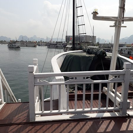 Dynasty Cruises Halong: Deck area to enjoy the breeze and the majestic scenary