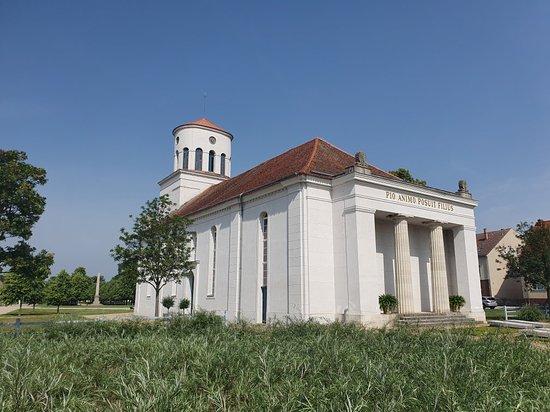 Schinkelkirche Zu Neuhardenberg