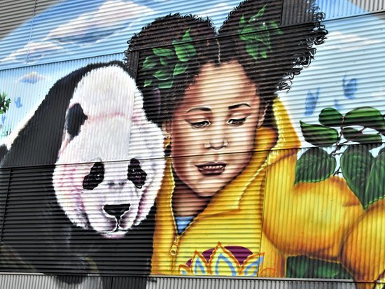 Fresque Panda et fillette
