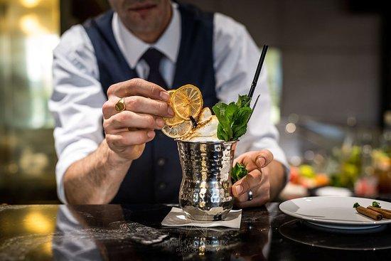 Chaponost, Франция: Préparation de cocktail
