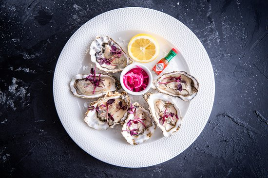 The Minnow: Freshly Shucked Oysters