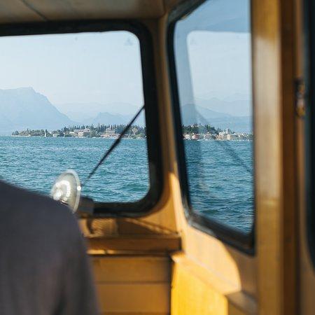 Lugana Wine Tours: Lugana All Aboard - Wine tasting cruise off the coast of Sirmione.