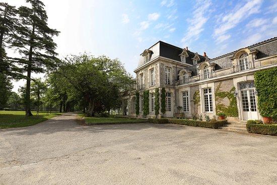 Fronsac, France: accueil au château