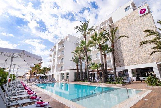 Js Yate, Hotels in Ca'n Picafort