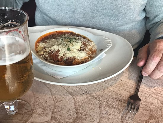 Qua : Homemade lasagne .