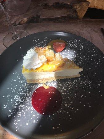 Qua : Lemon cheesecake ... delicious !