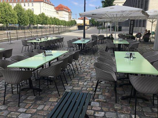 wilhelmine single bar berlin