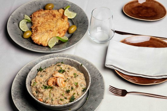 Three Bones Restaurant & Lounge: Prato tradicional português