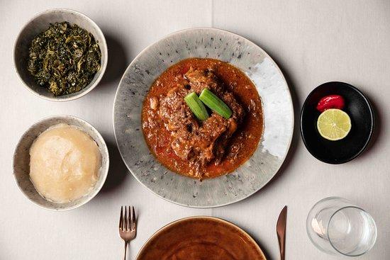 Three Bones Restaurant & Lounge: Prato tradicional angolano