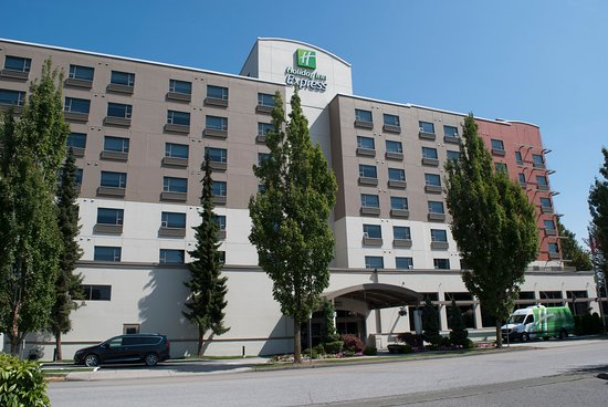 Comfortable Hotel Near Airport And Canada Line Review Of Holiday