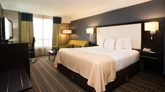 Holiday Inn Hotel & Suites Mississauga: Guest room