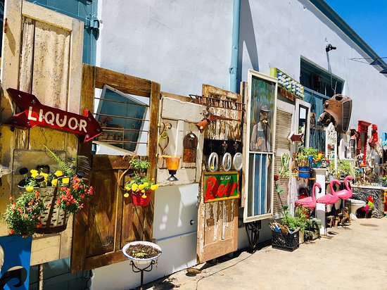 Second Line Arts & Antiques Mall