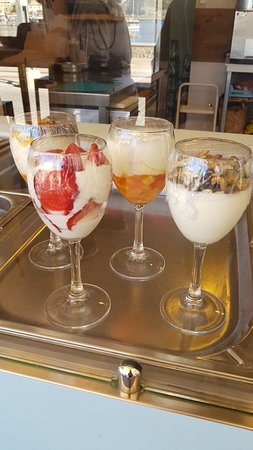 Petit Café Frozen Yogurt : Petit Cafè Frozen Yogurt