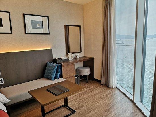 Yeosu Venezia Hotel & Resort: Family corner room