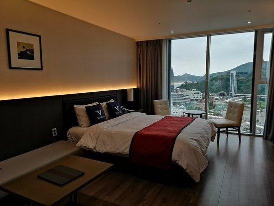 Yeosu Venezia Hotel & Resort: Double room with partial view
