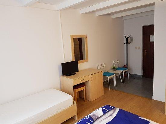 Resort Village T.N. Milna: Milna Resort Room