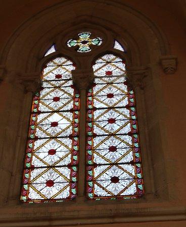 C'est une église néo-gothique flamboyante  très caractéristique du 19è Siècle